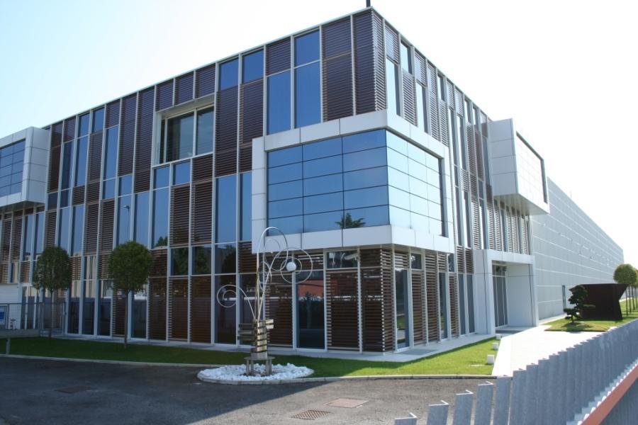 Realizzazione di edifici commerciali for Piano di progettazione di edifici commerciali